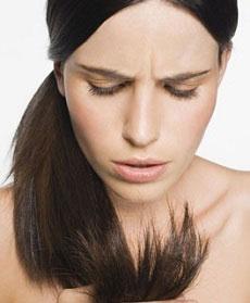 Come nutrire i capelli secchi e sfibrati